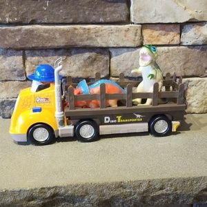 Dino Transporter Truck with two dinosaurs